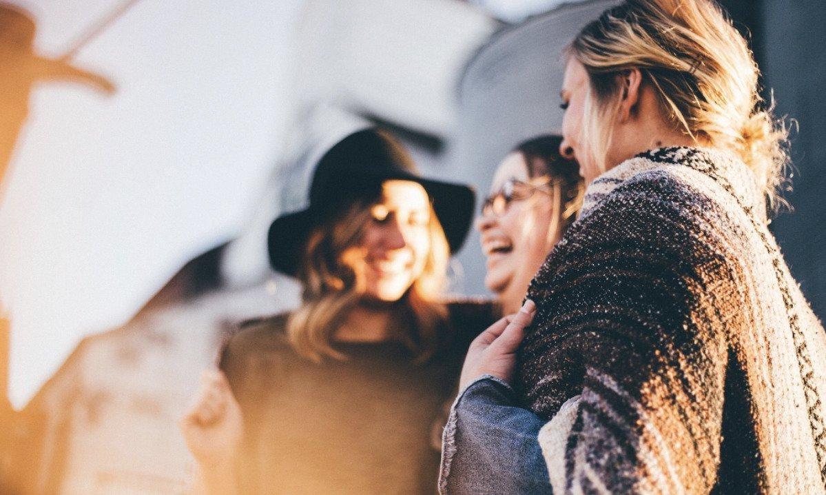 happy-women-on-retreat